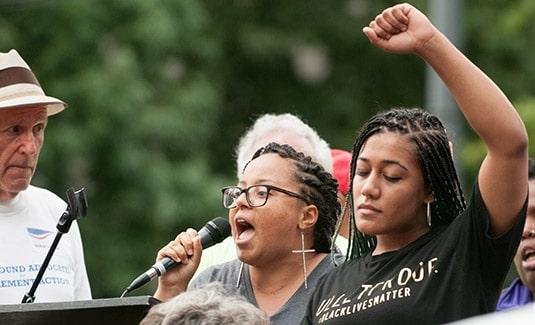 Sanders black lives matter